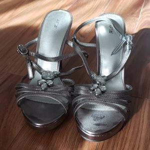 Apt.9 high heels
